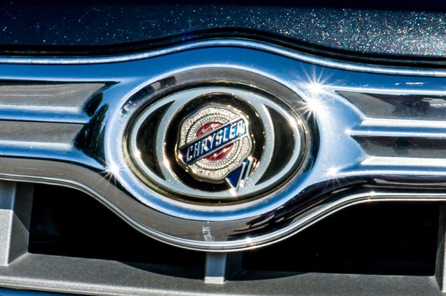 2010 Chrysler 300 Touring - AUTO - 85K MILES - LEATHER Reseda, CA 43