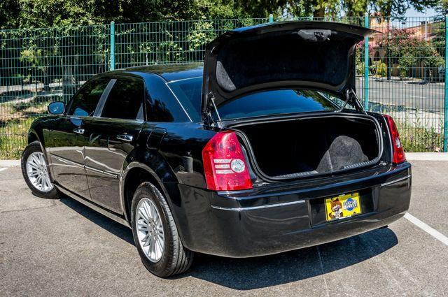 2010 Chrysler 300 Touring - AUTO - 85K MILES - LEATHER Reseda, CA 10