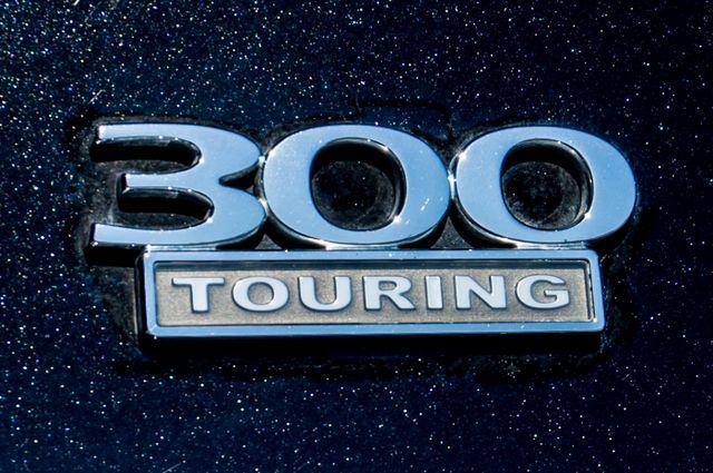 2010 Chrysler 300 Touring - AUTO - 85K MILES - LEATHER Reseda, CA 42
