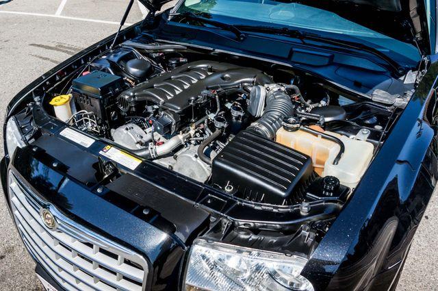 2010 Chrysler 300 Touring - AUTO - 85K MILES - LEATHER Reseda, CA 33