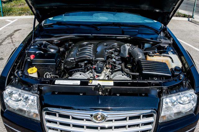 2010 Chrysler 300 Touring - AUTO - 85K MILES - LEATHER Reseda, CA 34
