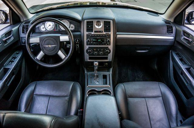 2010 Chrysler 300 Touring - AUTO - 85K MILES - LEATHER Reseda, CA 17