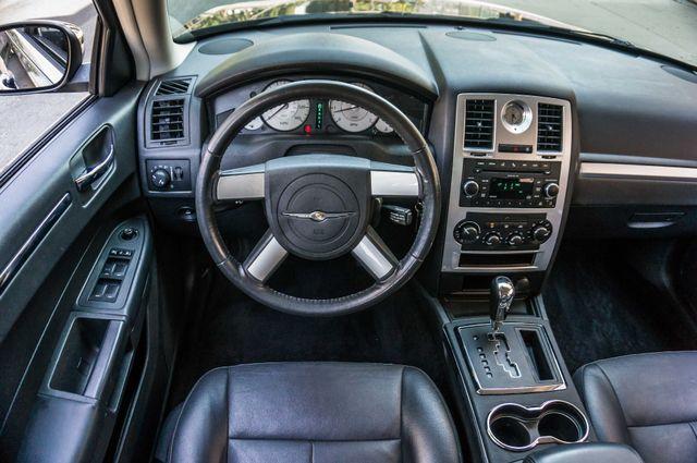 2010 Chrysler 300 Touring - AUTO - 85K MILES - LEATHER Reseda, CA 18