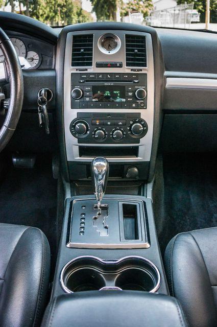 2010 Chrysler 300 Touring - AUTO - 85K MILES - LEATHER Reseda, CA 21