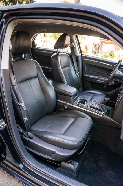 2010 Chrysler 300 Touring - AUTO - 85K MILES - LEATHER Reseda, CA 28