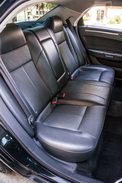 2010 Chrysler 300 Touring - AUTO - 85K MILES - LEATHER Reseda, CA 29