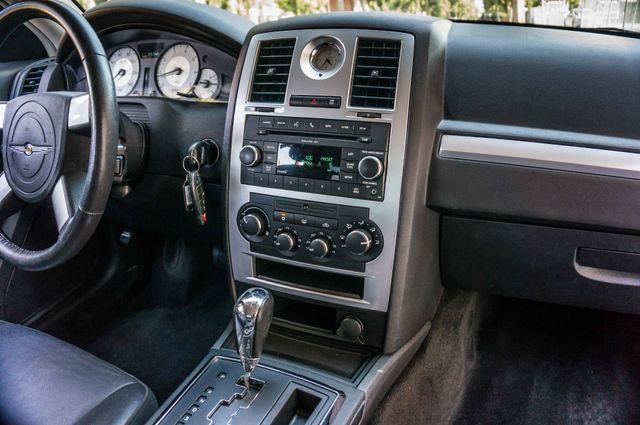 2010 Chrysler 300 Touring - AUTO - 85K MILES - LEATHER Reseda, CA 20