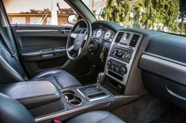 2010 Chrysler 300 Touring - AUTO - 85K MILES - LEATHER Reseda, CA 30