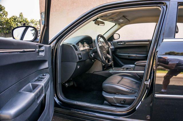 2010 Chrysler 300 Touring - AUTO - 85K MILES - LEATHER Reseda, CA 13