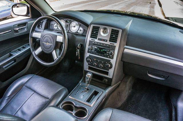 2010 Chrysler 300 Touring - AUTO - 85K MILES - LEATHER Reseda, CA 31