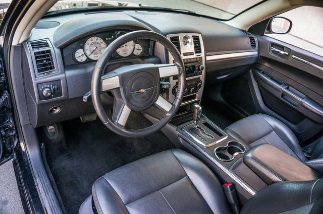 2010 Chrysler 300 Touring - AUTO - 85K MILES - LEATHER Reseda, CA 14