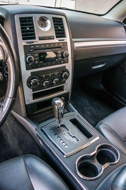 2010 Chrysler 300 Touring - AUTO - 85K MILES - LEATHER Reseda, CA 22