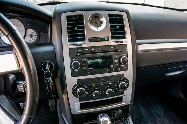 2010 Chrysler 300 Touring - AUTO - 85K MILES - LEATHER Reseda, CA 23