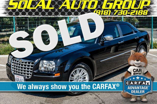 2010 Chrysler 300 Touring - AUTO - 85K MILES - LEATHER Reseda, CA 0