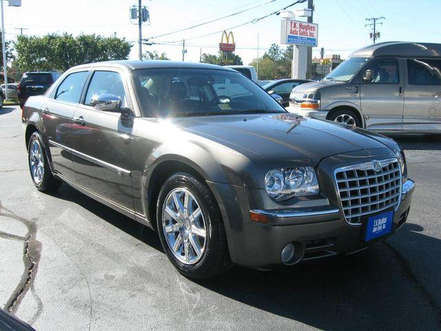 2010 Chrysler 300 300C Hemi Richmond, Virginia 3