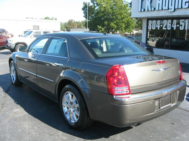 2010 Chrysler 300 300C Hemi Richmond, Virginia 7