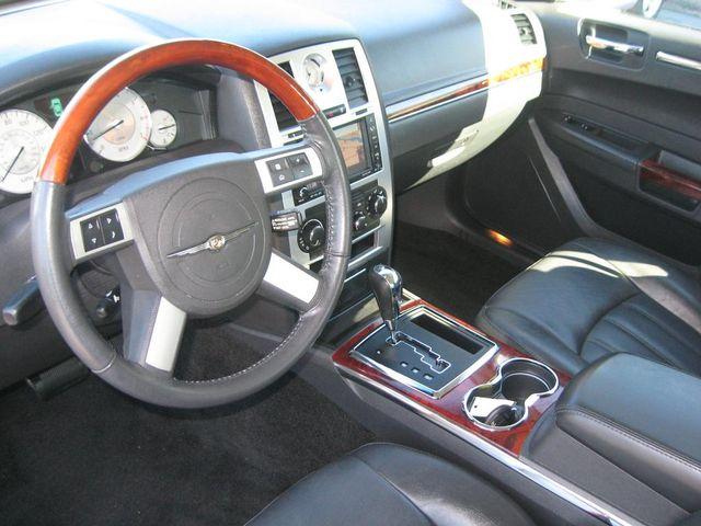 2010 Chrysler 300 300C Hemi Richmond, Virginia 8