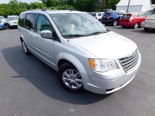 2010 Chrysler Town & Country Limited Ephrata, PA 0