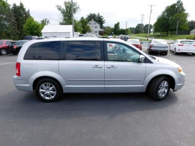 2010 Chrysler Town & Country Limited Ephrata, PA 2