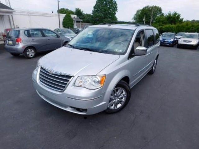 2010 Chrysler Town & Country Limited Ephrata, PA 7