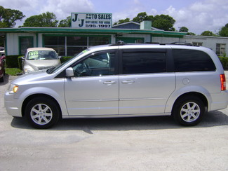 2010 Chrysler Town & Country in Fort Pierce, FL