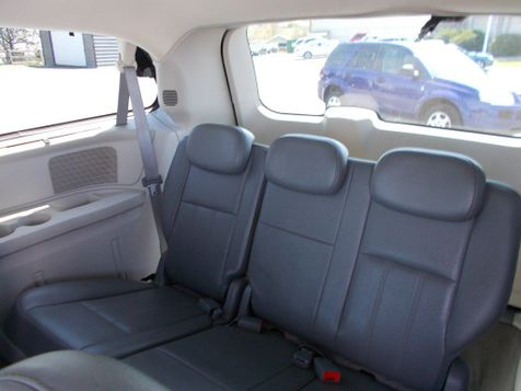 2010 Chrysler Town & Country Touring | Harrisonburg, VA | Armstrong's Auto Sales in Harrisonburg, VA
