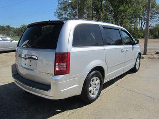 2010 Chrysler Town & Country Touring Houston, Mississippi 5