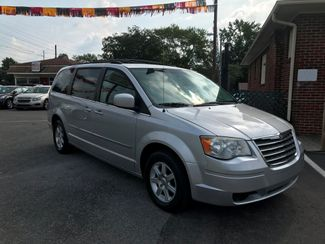 2010 Chrysler Town & Country Touring Knoxville , Tennessee 1