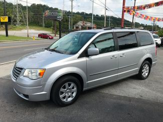 2010 Chrysler Town & Country Touring Knoxville , Tennessee 10
