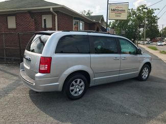 2010 Chrysler Town & Country Touring Knoxville , Tennessee 21