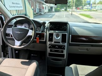 2010 Chrysler Town & Country Touring Knoxville , Tennessee 43