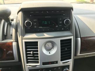 2010 Chrysler Town & Country Touring Knoxville , Tennessee 53