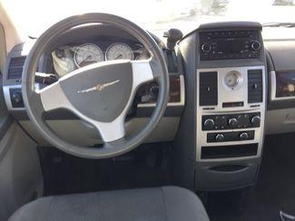 2010 Chrysler Town & Country Touring AUTOWORLD (702) 452-8488 Las Vegas, Nevada 5