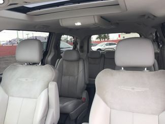 2010 Chrysler Town & Country Limited AUTOWORLD (702) 452-8488 Las Vegas, Nevada 9