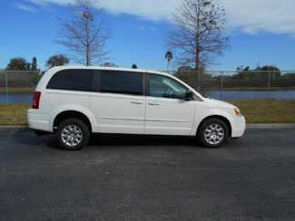 2010 Chrysler Town & Country Lx Handicap Van Pinellas Park, Florida 2