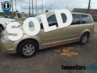 2010 Chrysler Town & Country Touring   Medina, OH   Towne Auto Sales in ohio OH