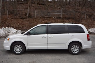 2010 Chrysler Town & Country LX Naugatuck, Connecticut 4
