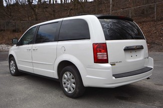 2010 Chrysler Town & Country LX Naugatuck, Connecticut 5