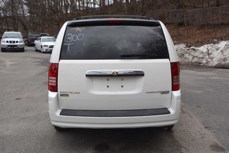 2010 Chrysler Town & Country LX Naugatuck, Connecticut 6