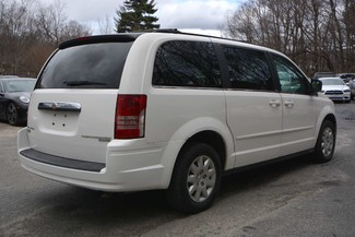 2010 Chrysler Town & Country LX Naugatuck, Connecticut 7