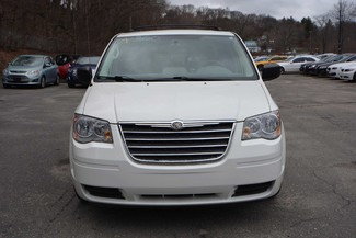 2010 Chrysler Town & Country LX Naugatuck, Connecticut 10