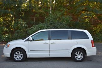 2010 Chrysler Town & Country Touring Naugatuck, Connecticut 1