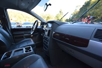 2010 Chrysler Town & Country Touring Naugatuck, Connecticut 7