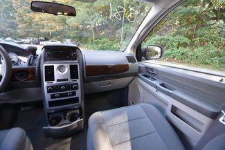 2010 Chrysler Town & Country LX Naugatuck, Connecticut 15
