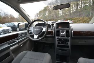 2010 Chrysler Town & Country Touring Naugatuck, Connecticut 15
