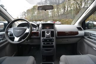 2010 Chrysler Town & Country Touring Naugatuck, Connecticut 16