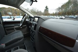 2010 Chrysler Town & Country Touring Naugatuck, Connecticut 8