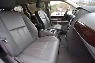 2010 Chrysler Town & Country Touring Naugatuck, Connecticut 10