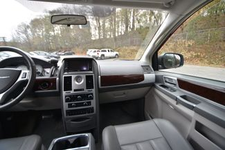 2010 Chrysler Town & Country Touring Naugatuck, Connecticut 19