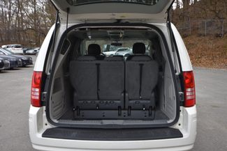 2010 Chrysler Town & Country Touring Naugatuck, Connecticut 2